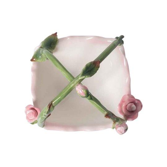 Cesta de porcelana rosas alto relevo
